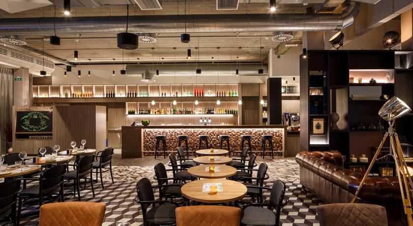 Holiday Inn Brussels Airport resto1 | Baeyens & Beck architecten Gent | architect nieuwbouw renovatie interieur | high end | architectenbureau